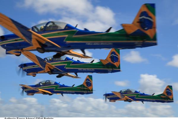 O treinamento faz parte do processo de implantação da aeronave A-29 Super Tucano pelo EDA.