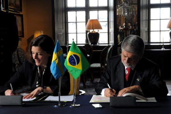 Os acordos tratam de outros projetos de interesse na área militar dos dois países e sobre proteção de informações