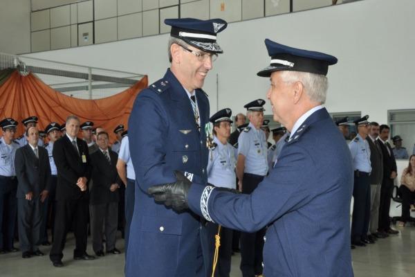 Brigadeiro Magalhaes assume a direção do IAE  IAE