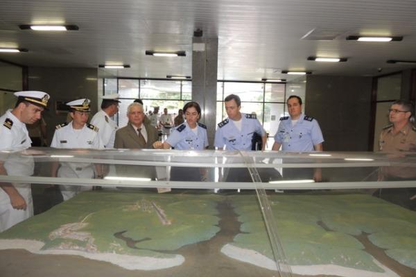 A atividade conta com a participação de integrantes do Ministério da Defesa e das Forças Armadas