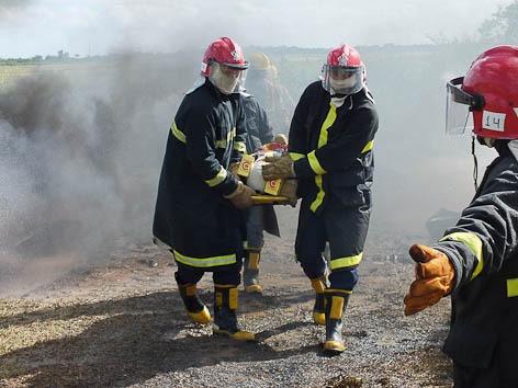 Curso habilita suboficiais, sargentos, cabos, soldados e civis a executarem atividades de prevenção, salvamento e combate a incêndio em aeronaves