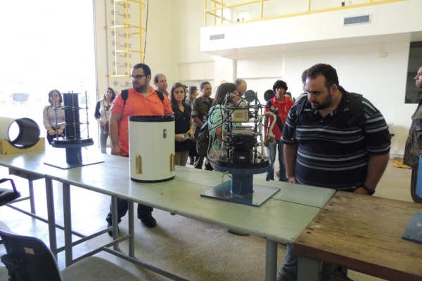 Integrantes do Programa Microgravidade, que tiveram experimentos aprovados para o próximo lançamento do foguete nacional, conheceram o trabalho do Centro.