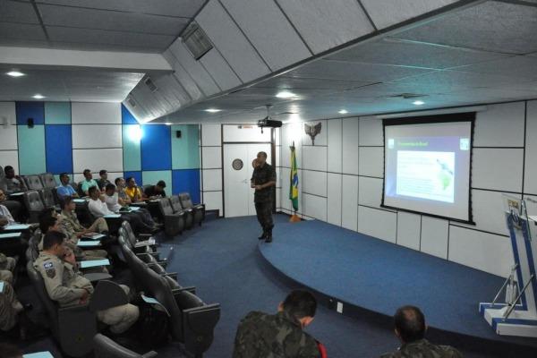 O objetivo é capacitar os participantes no emprego de ações de combate a incêndio e procedimentos de primeiros socorros em áreas de pistas de pousos e decolagens de aeronaves