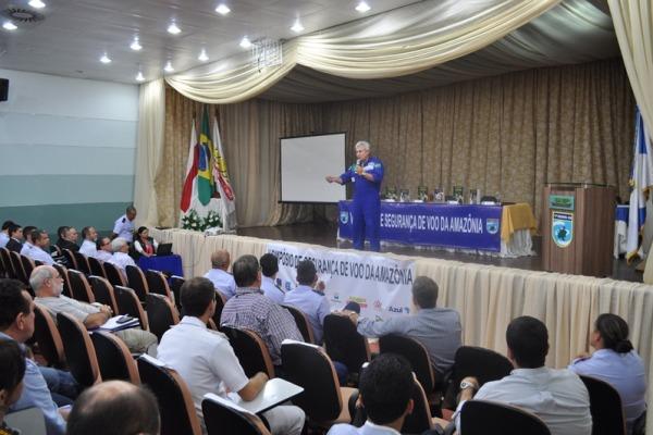 O evento realizado pelo Sétimo Serviço Regional de Investigação e Prevenção de Acidentes reuniu cerca de 300 pessoas no último sábado (17/05)