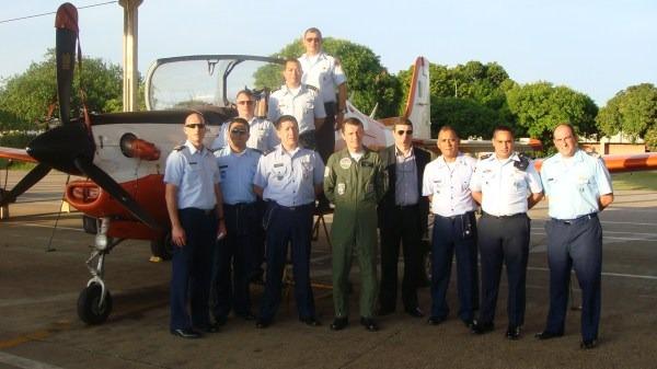 12. Visita ao 1º Esquadrão de Instrução Aérea (1º   Oficial-Aluno