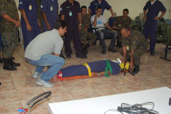 Entre as instruções, a prática de Primeiros Socorros e de Combate à Incêndio  CLBI