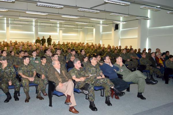 Efetivo assiste à palestra no COMAR IV  S2 Molina / COMAR IV