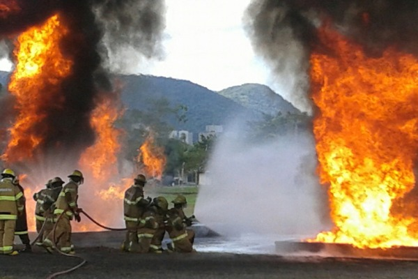 Curso visa qualificação de pessoal para as atividades operacionais de prevenção, salvamento e combate a incêndio em aeródromos