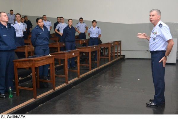 Alto Comando da Intendência da FAB ministra Ciclo de Palestras para Cadetes  S1 Wallid/AFA