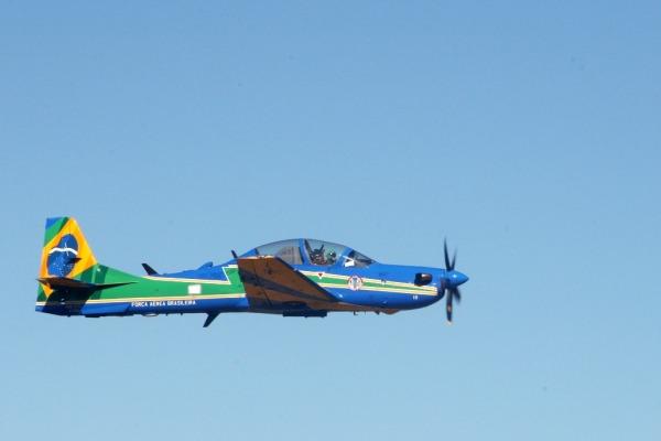 Aeronave A-29 Super Tucano na Base de Santa Maria  Ten Cocate