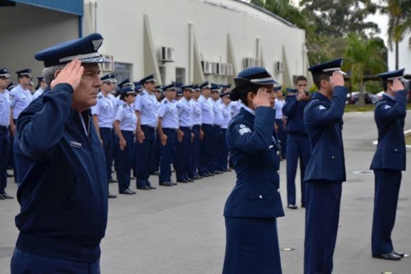 Militares são homenageados com Medalhas  CELOG