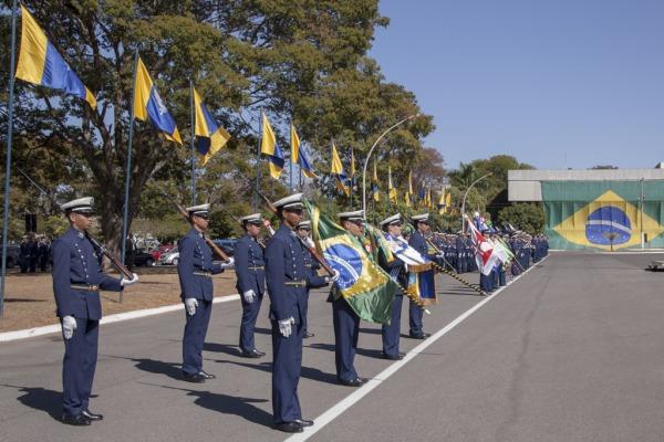 Entrega acontece durante cerimônia em homenagem ao aniversário de Alberto Santos Dumont, Patrono da Aeronáutica Brasileira e Pai da Aviação