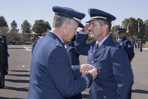 O Suboficial Brum, Campeão do Tiro, também recebeu a medalha  Ten Enilton Kirchhof/Agência Força Aérea