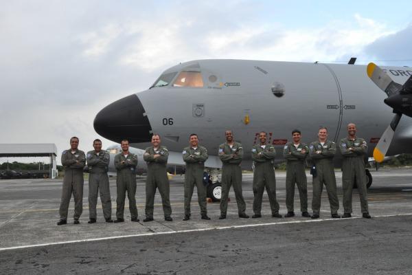 Dez tripulantes realizaram o traslado desde a Espanha  1º/7º GAV