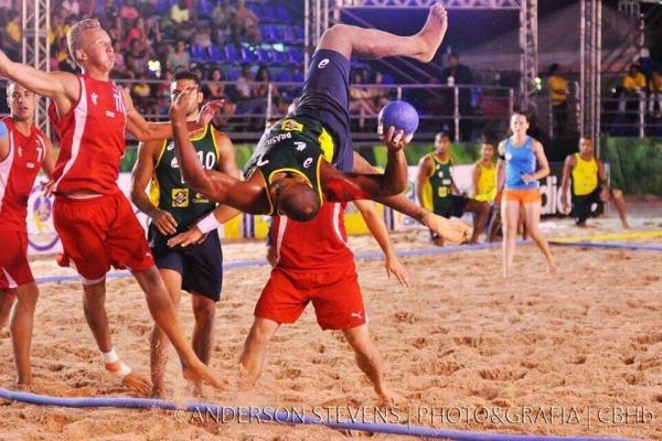 Seleções brasileiras masculina e feminina conquistaram o VI Mundial, realizado no Recife (PE)
