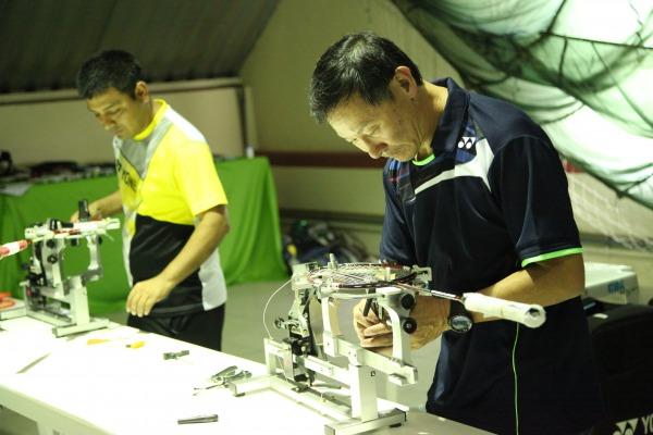Cerca de 50 raquetes são revisadas por dia durante o torneio  CDA/Suboficial Armando
