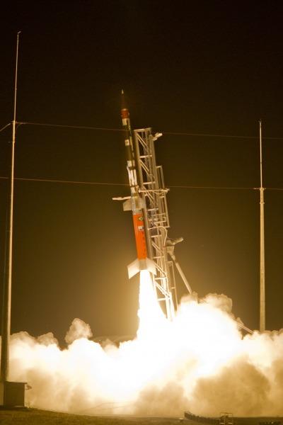 Brasil lança com sucesso primeiro foguete nacional com combustível líquido