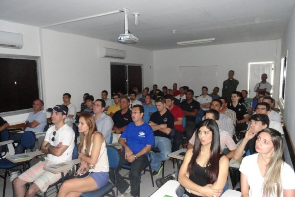 Palestra para instrutores e alunos do aeroclube  SERIPA III