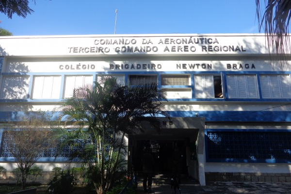 Colégio Brigadeiro Newton Braga  arquivo
