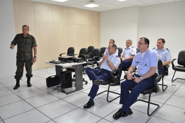Comandante da Força Aérea Chilena foi à Manaus  Sgt Carleilson