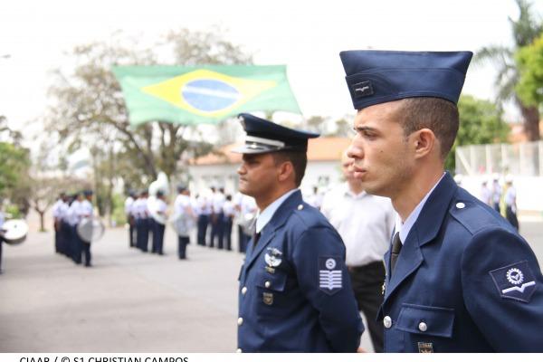 Graduado e Praça Padrão  S1 Christian Campos