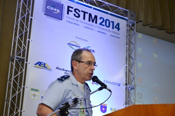 Diretor do Instituto de Aeronáutica abre evento  SO Augusto