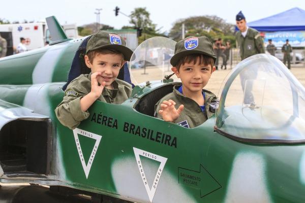 Crianças poderão brincar nas miniaturas de aeronaves  Arquivo CECOMSAER/Sgt Rezende