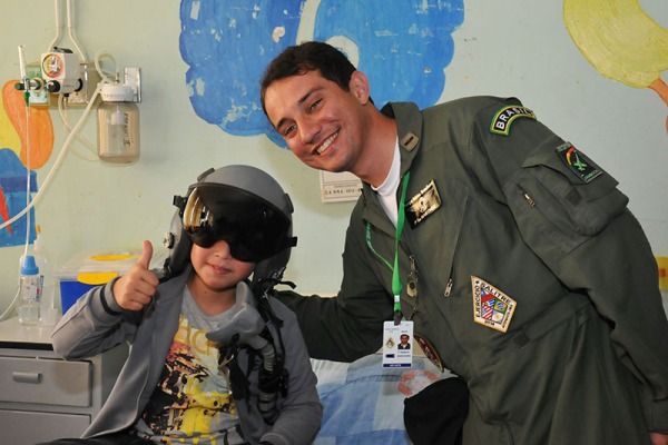Militares de cinco países participam de ação social durante o exercício em Antofagasta