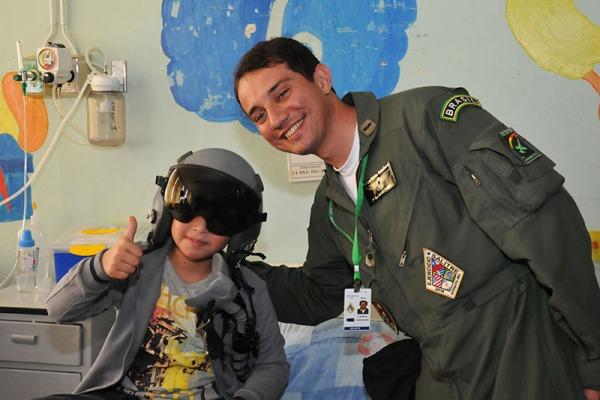 Tenente Fernandes na visita  Força Aérea do Chile