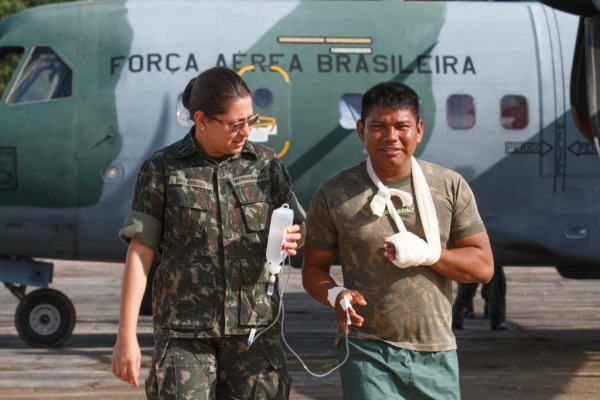 O militar sofreu um incidente com motosserra e teve que ser transferido para Tabatinga (AM)