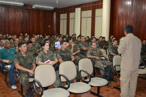 Militares da Guarnição participam do evento  CB Mário (I COMAR)
