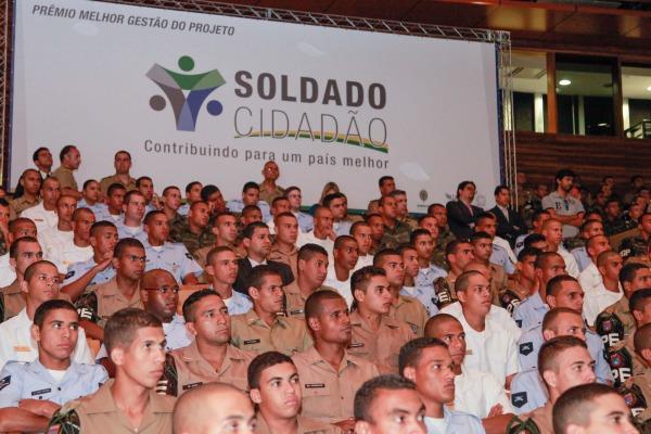 Em 10 anos, 200 mil soldados foram beneficiados pelo projeto  Cb V. Santos/Cecomsaer