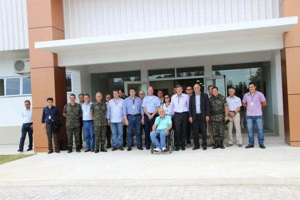 Parlamentares visitam unidades militares em SM  Ten Emília / COMAR V