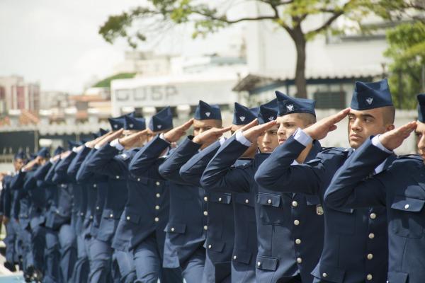 A cerimônia militar alusiva ao Dia da Infantaria foi realizada no Pátio Cambuci (SP)