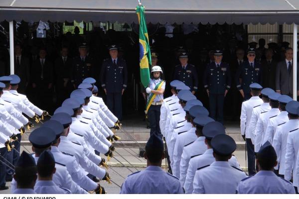Compromisso à Bandeira  Sd Eduardo