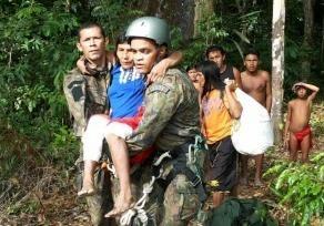 OkoiWaijapi, da aldeia Jiriru'Wyry, foi resgatada pelo Esquadrão Falcão após sofrer queimaduras