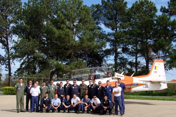 Força Aérea do país vizinho aprimora manutenção de aeronaves de vigilância de fronteiras