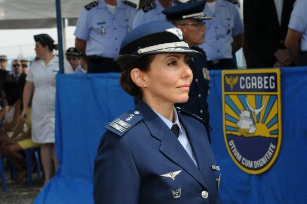 Coronel Médica Carla Lyrio Martins já trabalhou em outras organizações e serve a Aeronáutica há 25 anos