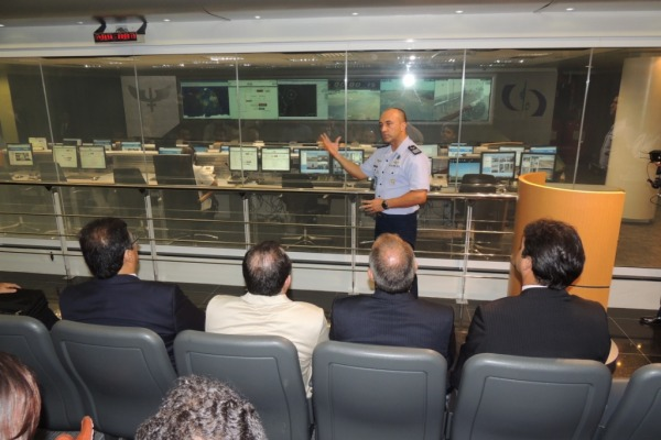 Governador do Maranhão em visita ao CLA  Asp Ruy/ CLA