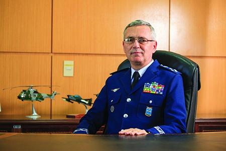 Leia a entrevista com o Tenente-Brigadeiro do Ar Nivaldo Luiz Rossato