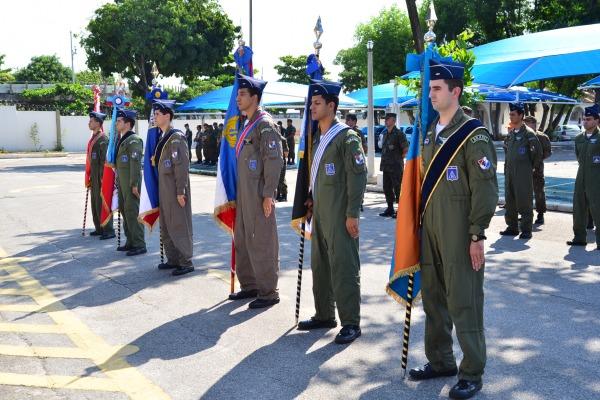 Durante a cerimônia foram apresentados os Estandartes das Unidades