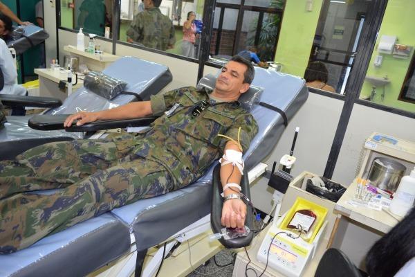 Somente 2% da população brasileira doa sangue, e o número cai durante o período de carnaval
