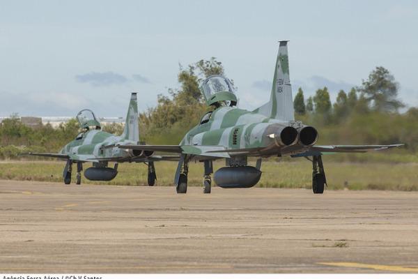Caças F-5M de alerta  Cabo Vinícius Santos / Agência Força Aérea