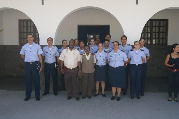 Na África do Sul, o Serviço Militar de Saúde participa do treinamento dos pilotos para o caça Gripen