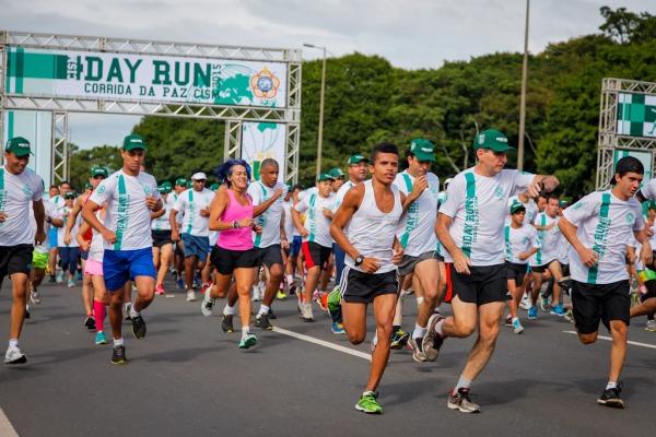 Com o lema Amizade através do Esporte, o evento contou com a participação de civis e militares
