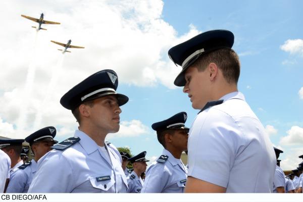 CB Diego - AFA  AFA entrega platinas aos novos cadetes