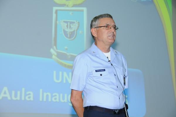 A aula foi realizada na Universidade da Força Aérea