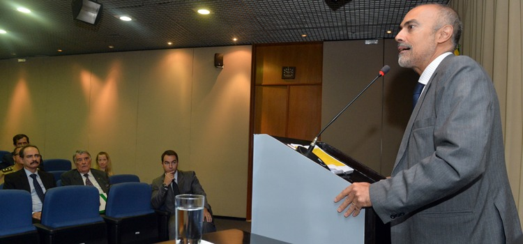 Professor Antônio Ramalho  Ministério da Defesa