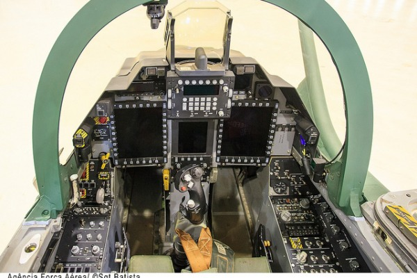Cabine do A-1M  Sgt Bruno Batista / Agência Força Aérea
