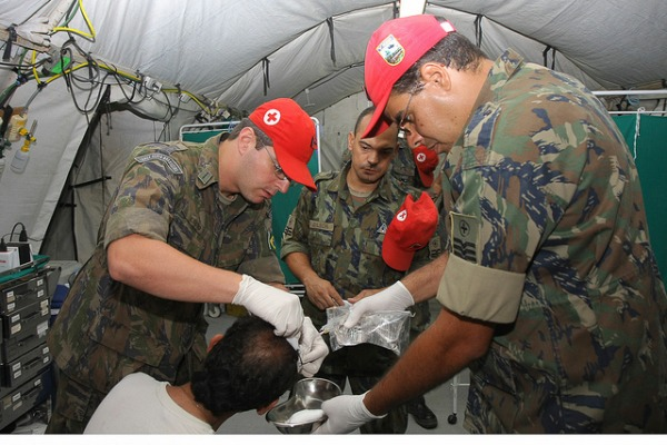 Sargentos em Hospital de Campanha  Sgt Paulo Rezende / Agêcia Força Aérea